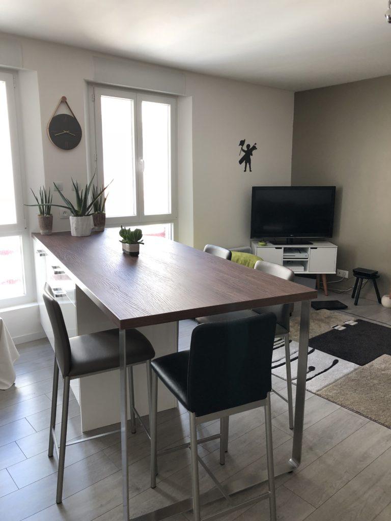 2k cuisines cuisiniste le touquet cuisine lot de rangements et table. Black Bedroom Furniture Sets. Home Design Ideas